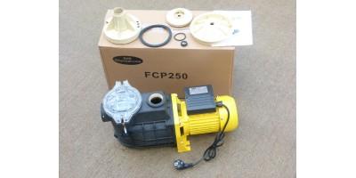 Pompe de piscine 250W avec pré-filtre (avec kit de réparation valeur 88€40)