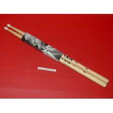 Baguettes batterie instrument musique Vic Firth olive nylon